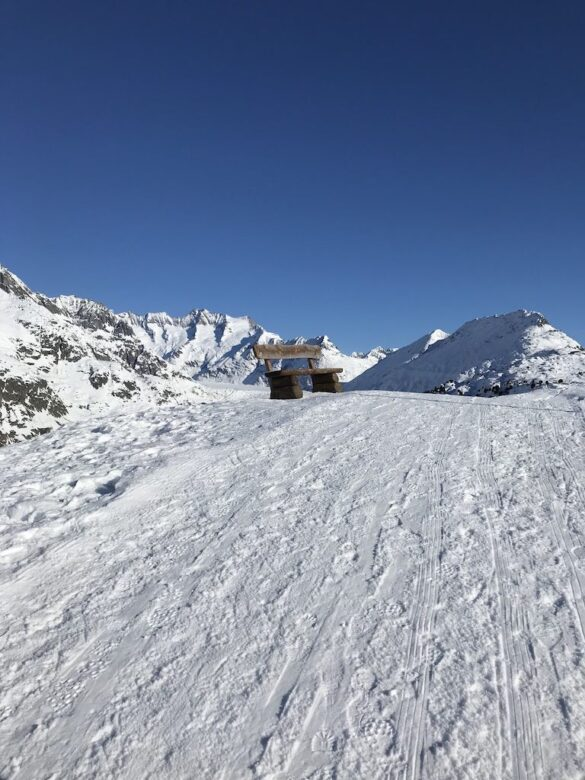 Sitzbank oberhalb Aletschgletscher