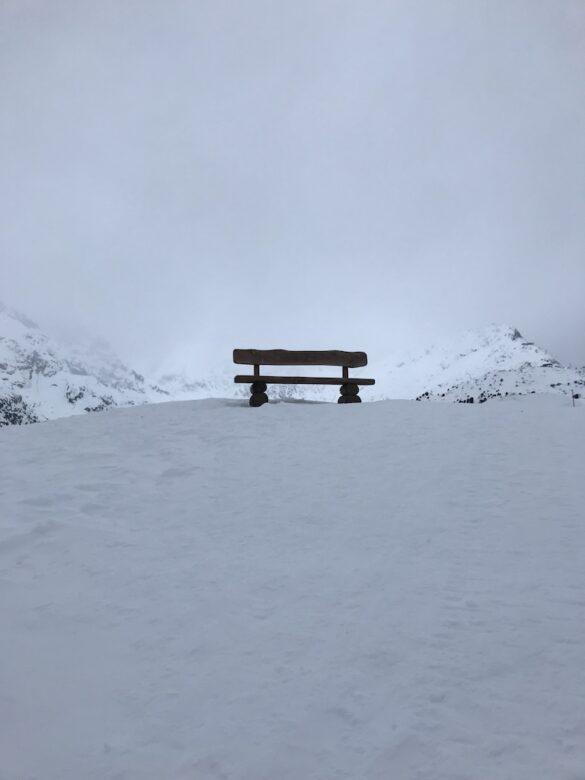 Sitzbank oberhalb des Aletschgletschers
