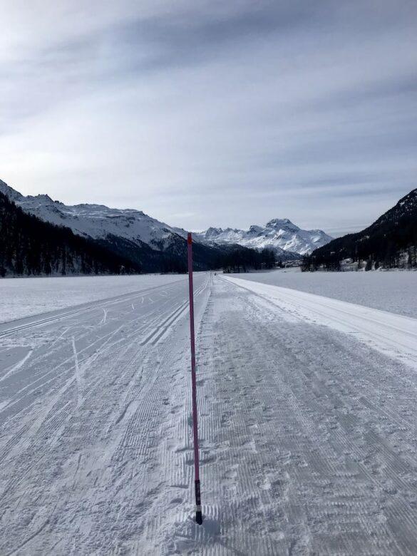 Winterwanderweg auf dem Champfèrersee