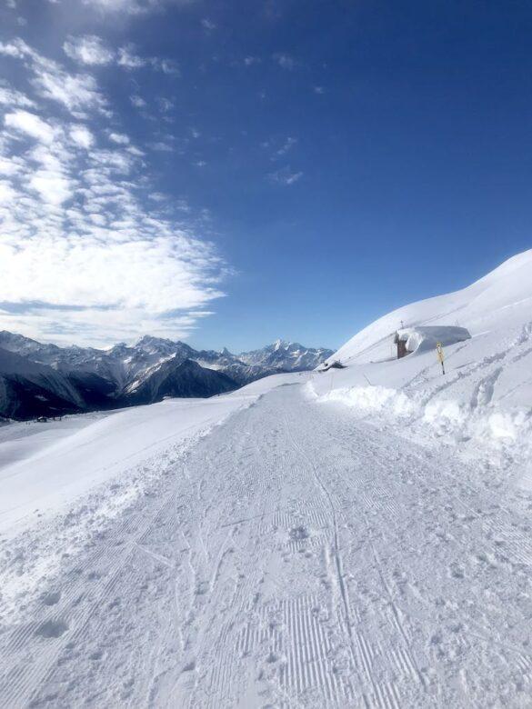 Winterwanderweg mit Aussicht
