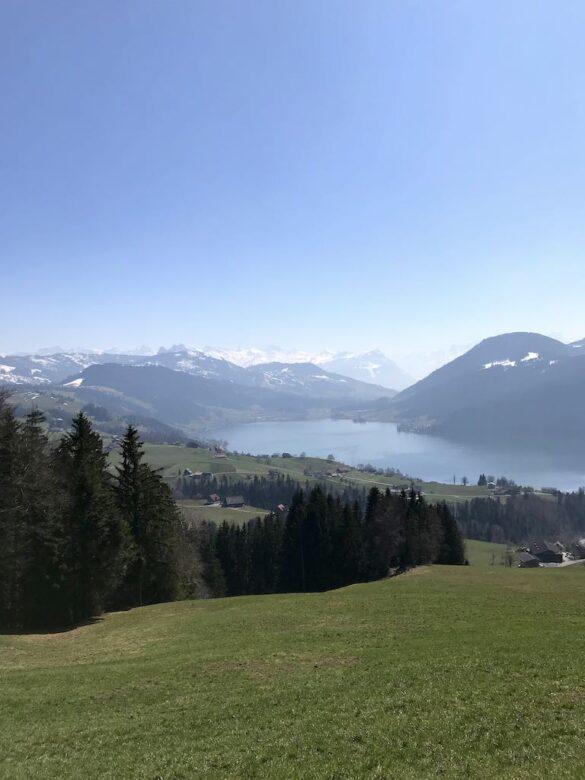 Ägerisee und Alpenpanorama