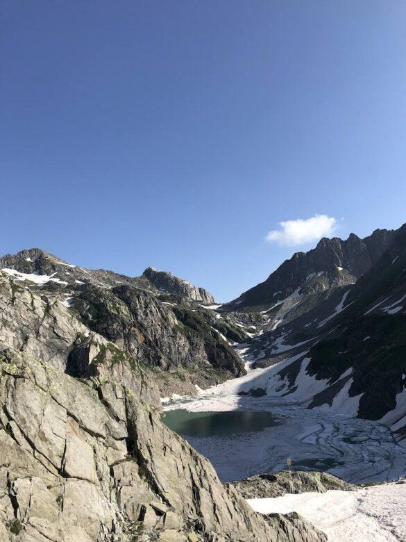 Blick zur Cristallina-Hütte
