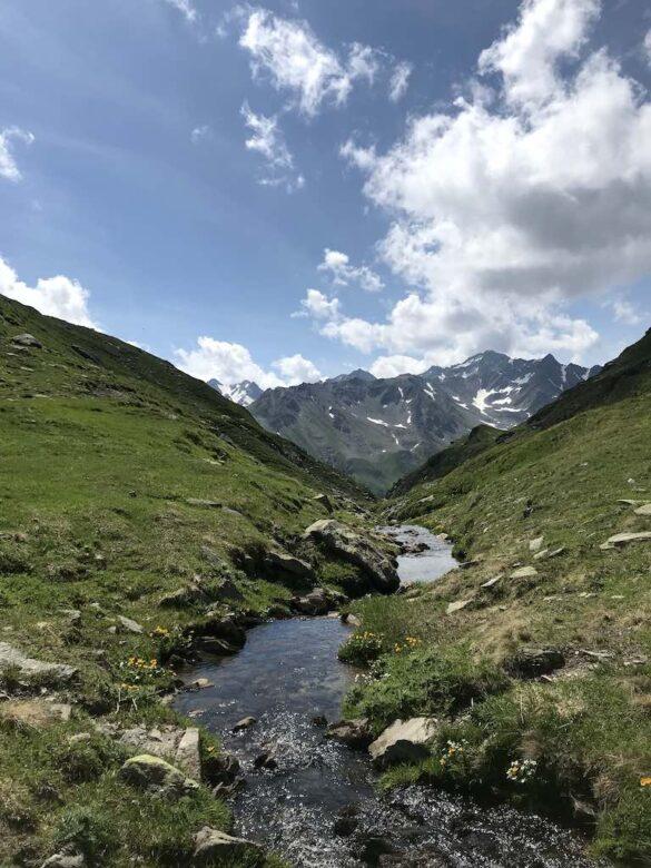 Bergbach auf dem Lolenpass
