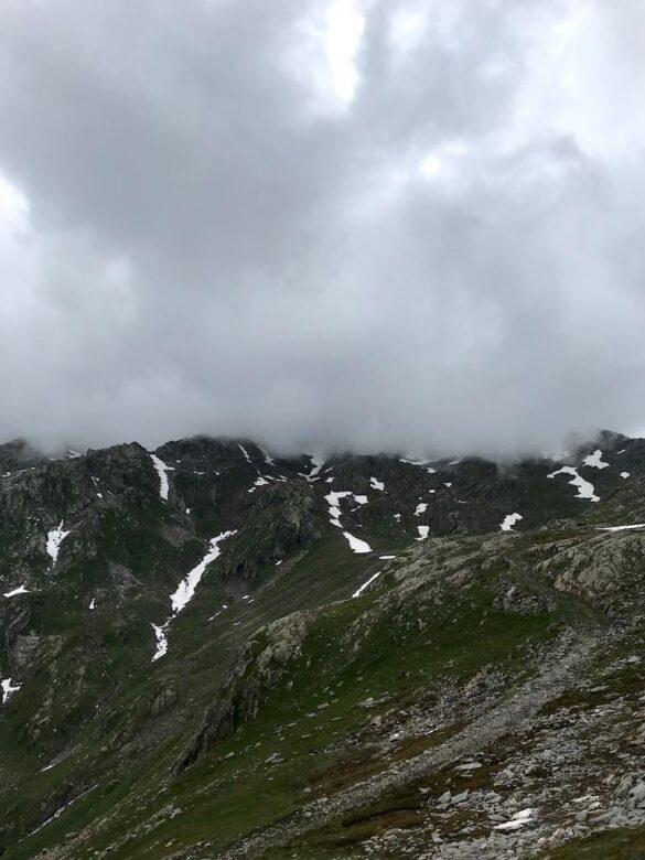 Pizzo Centrale in Wolken