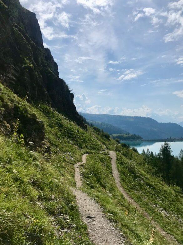 Bergwanderweg bemi Lac de Tseuzier