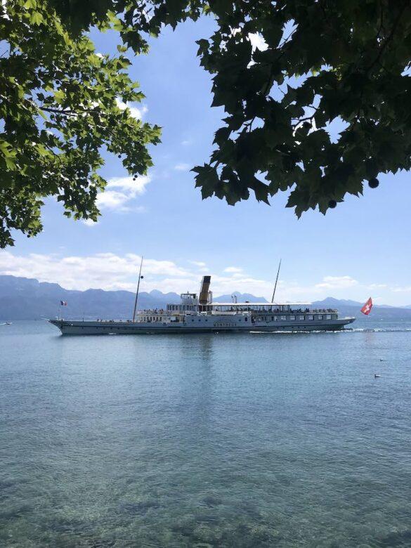 Schiff auf Genfersee