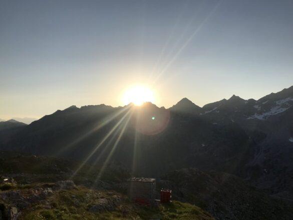 Sonnenaufgang Rotondohütte