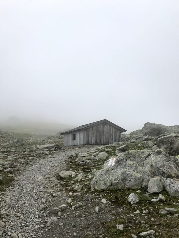 Schutzhütte auf dem Scalettapass