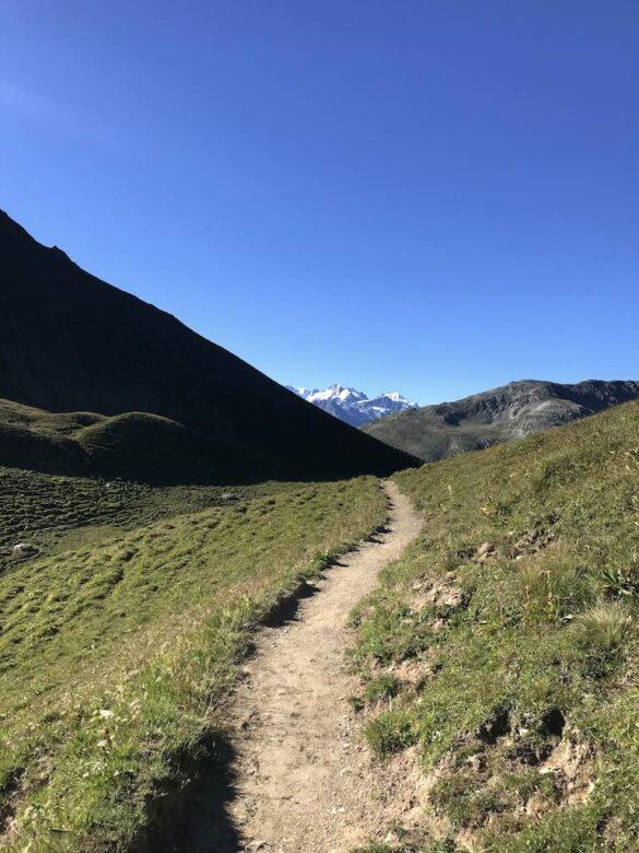 Wanderweg auf der Fuorcla Gualdauna