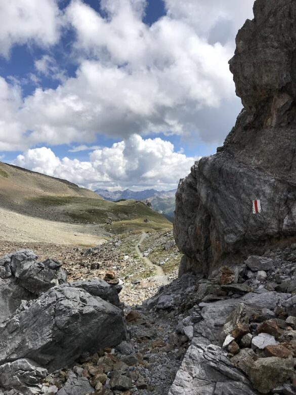 Wanderweg von der Fuorcla zur Es-cha-Hütte